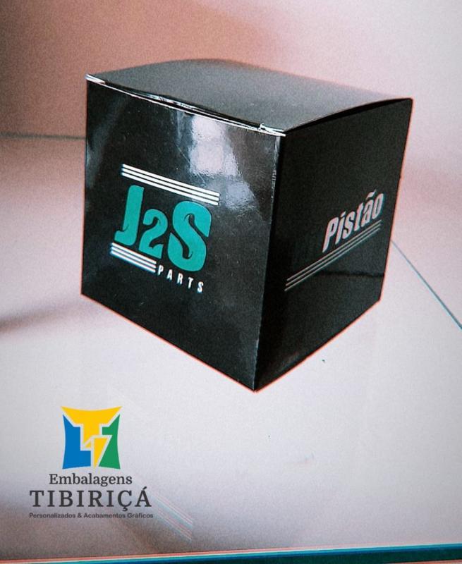 Caixa de papel personalizada com logo